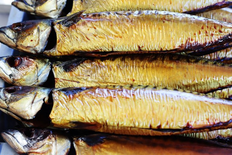 Schoonmaken van een makreel